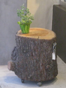 ChocoVivo tree stump